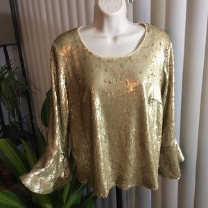 🌲SALE🌲NWT Altar'd State NYE Gold Sequin Shirt